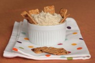 Cashew roasted garlic spread