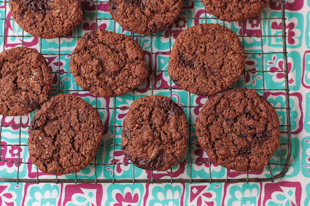 chocolate-mint-thins-cookies