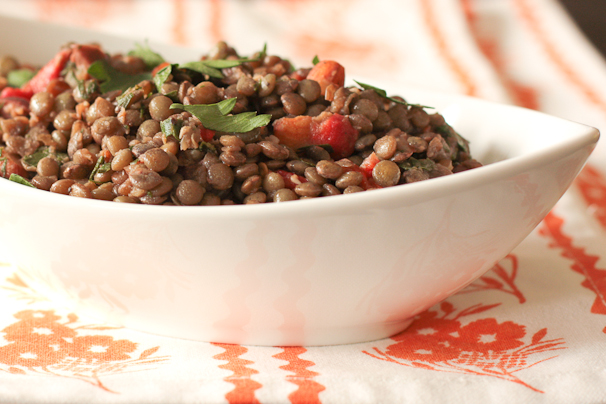 Lentil Salad with Roasted Red Peppers, Olives and Almonds | What Would ...